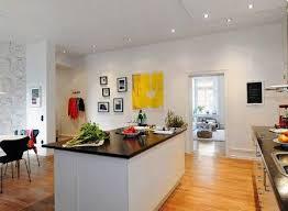 cuisine ouverte ilot central modele de cuisine americaine avec ilot central deco maison moderne