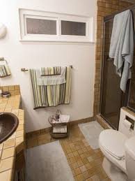 tiling small bathroom ideas clever ideas for small bathrooms tiling design ideas for small