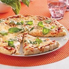 cuisiner une pizza pizza margarita sans gluten recettes cuisine et nutrition
