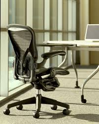 picking right aeron chair for your needs ergonomic chair central