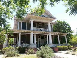 waco texas real estate chip and joanna gaines fixer upper crumbling mansion google search dream home