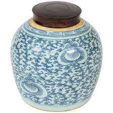 19th century chinese blue and white porcelain ginger jar with