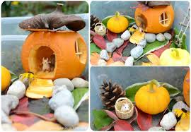 small pumpkins house in the pumpkin autumn craft sensory bin