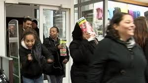 best black friday deals in store the best black friday 2012 deals in stores and online abc news
