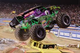 monster trucks grave digger monster truck grave digger wallpaper hd wallpapers
