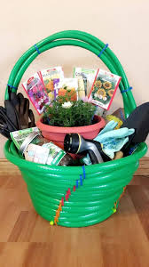 themed gift basket ideas gardening gift baskets home ideas for everyone
