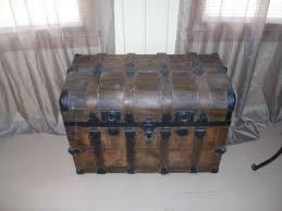 beautiful travel trunks 80 best trunks images on pinterest antique trunks old trunks