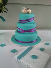 adrena u0027s blog this issue mentions how a cupcake wedding cake can