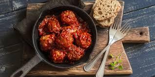 cuisiner des boulettes de viande boulettes de viande en sauce tomate recettes femme actuelle