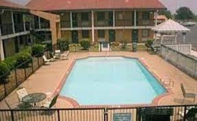 Comfort Inn Mcree St Memphis Tn Budget Host Inn And Suites Memphis Memphis