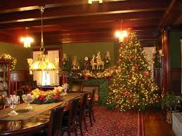 Easy Christmas Centerpiece - kitchen decorating christmas decorations dining room table