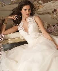 best wedding dresses 2011 finding the fall wedding dress best wedding theme