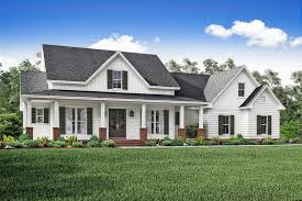 farmhouse style house plan 3 beds 2 00 baths 2469 sq ft plan - Farmhouse Style House