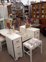 Antique Vanity With Mirror And Bench - 306 best main street antique mall images on pinterest main