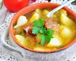 cuisiner saucisse de morteau recette de soupe de légumes maigre à la saucisse de morteau