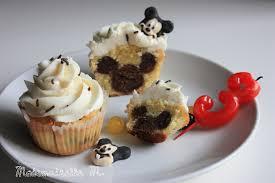 cuisine mickey cupcakes mickey caché birthday cake gourmandises cuisine