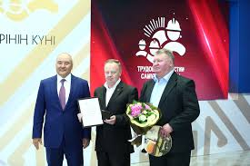 representatives of kazatomprom were honoured on the day of labour