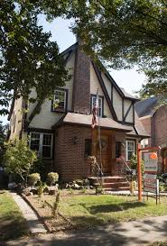 Donald Trump Home Address Trump U0027s Childhood Home In Queens Sells For More Than 2m Ny