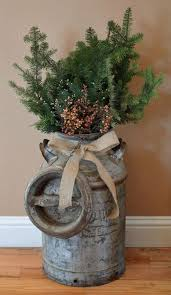 Christmas Decorations Using Live Greenery by Best 25 Christmas Porch Decorations Ideas On Pinterest