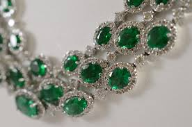 green emerald necklace images Royal white gold natural emerald necklace with diamonds catawiki jpg
