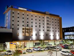 hotel city express plus guadalajara palom mexico booking com