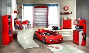 decoration chambre petit garcon chambre garcon voiture lit voiture enfant f1 idee deco chambre