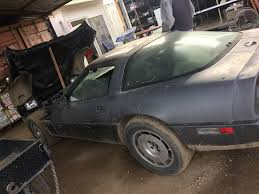 Old Barn Doors Craigslist by Corvettes On Craigslist U0027barn Find U0027 1984 Corvette Parked Since