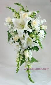 Wedding Flowers Queenstown Wedding Couple First Embrace White Cascading Bouquet Photography