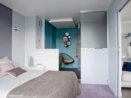 salle de bains dans chambre chambre demi mur notre chambre chambres