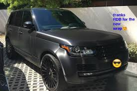 black and gold range rover kendall and kylie jenner u0027s cars a guide teen vogue