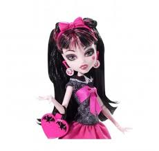 amazon com monster high picture day draculaura doll toys u0026 games