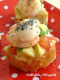 canap avocat crevette toast avocado tomorow and prawns toast avocat tomate crevettes