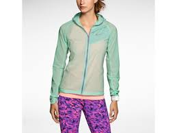 nike impossibly light jacket women s 6 tips for buying a winter running jacket you betta werk