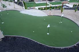 Backyard Golf Course by 25 Golf Backyard Putting Green Ideas Designing Idea