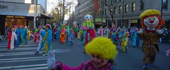 seattle macy s thanksgiving parade clowns