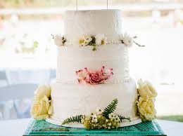 wedding cake sederhana 7 beautiful buttercream frosted wedding cakes