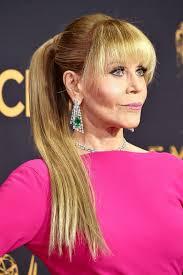 jane fonda hairstyles for women over 60 emmy awards 2017 jane fonda has a fresh new look video jane