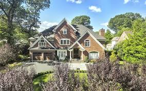 1329 manor circle pelham ny 10803