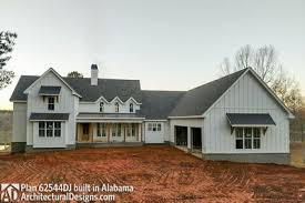 farmhouse houseplans modern 4 bedroom farmhouse plan 62544dj architectural designs