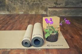 Travel cork yoga mat natural rubber 72 quot x 24 quot x 3mm 4 1lbs