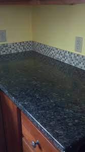 Glass Tile Backsplash Uba Tuba Granite Bathroom Design 5 8 Stone Mosaic On Uba Tuba Granite And Cherry