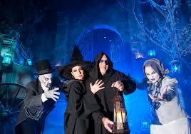 universal studios japan halloween horror nights behind the thrills gloria estefan spends a u201cwinter u0027s night u201d at
