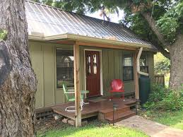 Backyard Cabin Quaint Backyard Cottage Summer Special Homeaway Central Austin