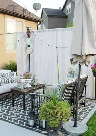 Backyard Privacy Screens by Get Gorgeous Privacy In Your Backyard Without Putting Up A Fence