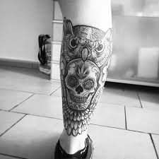 collection of 25 skull on thigh