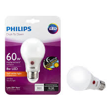 led dusk to dawn light bulb philips led dusk to dawn a19 frosted light bulb 800 lumen 2700