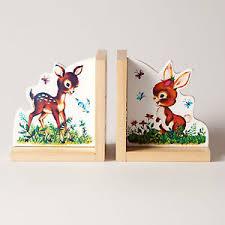 chambre lapin décoration étagères cale livres thème faon heidi lapin