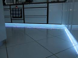 bande led cuisine tuto mise en place d un ruban de led domotique info