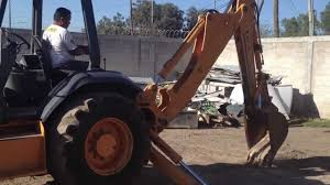 retroexcavadora case 580l con kit para martillo youtube