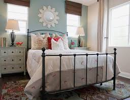 decorate your bedroom like an interior decorator